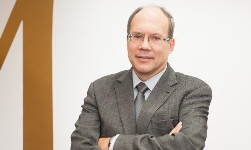 Dr. Jorge Dores